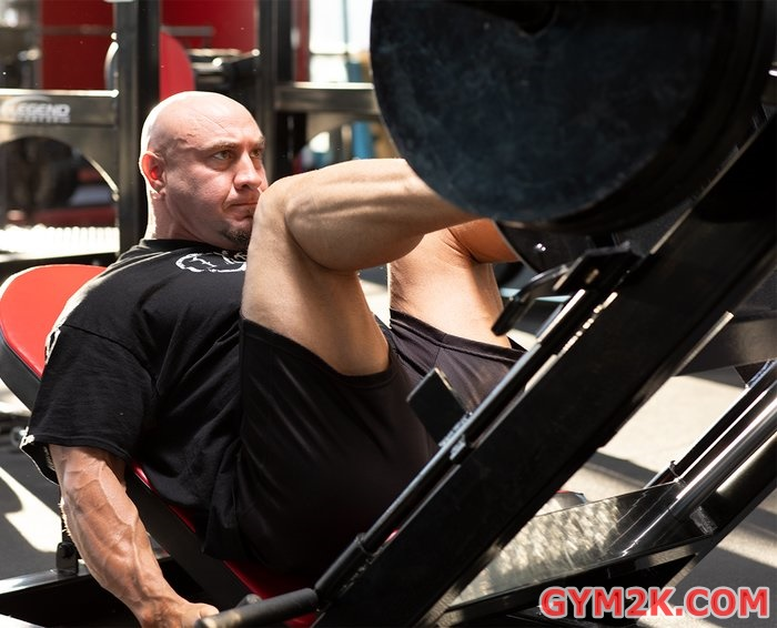 get crazy strong squatting and pulling every other week 3 700xh Get Crazy Strong Squatting And Pulling Every Other Week
