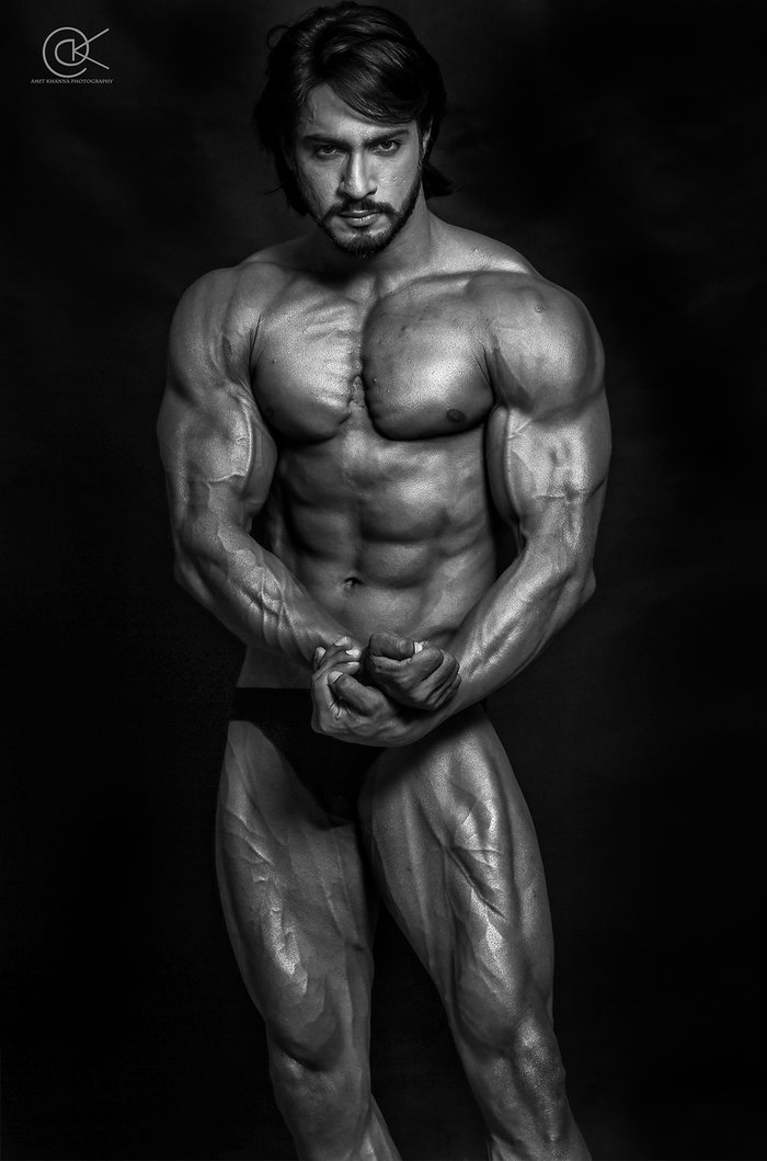 thakur anoop singh is the arnold schwarzenegger of 2 700xh Thakur Anoop Singh Is The Arnold Schwarzenegger Of India
